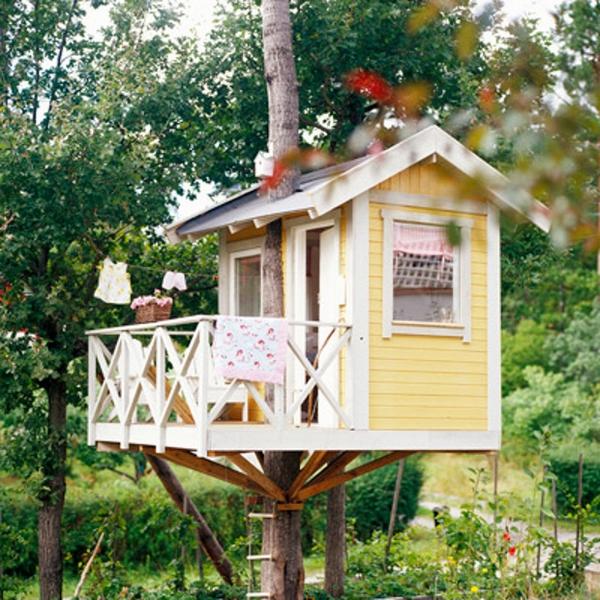 Ngôi nhà trên cây nhẹ nhàng