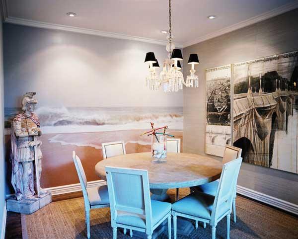 Bãi biển được vẽ trên bức tường