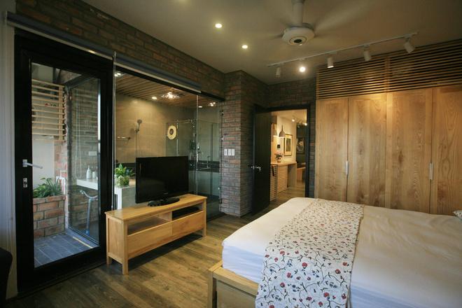 Phòng ngủ và phòng tắm