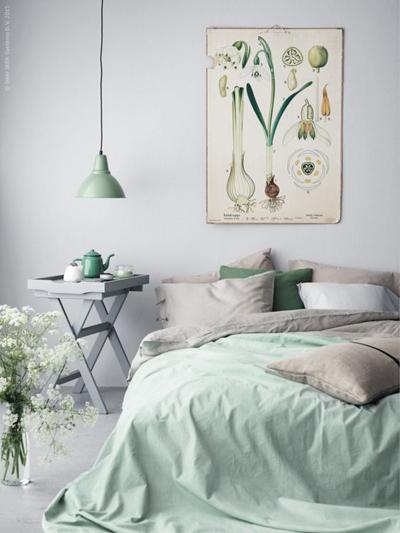 Phòng ngủ sử dụng màu xanh với những sắc độ khác nhau  tạo nên sự dễ chịu và thoải mái