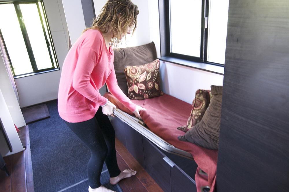 Những món đồ nội thất đa năng cũng được chủ nhà sử dụng để tiết kiệm không gian