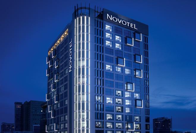 Khách sạn Novotel Saigon Centre có quy mô 247 phòng, đi vào hoạt động từ giữa năm 2012.