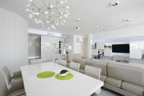 Sử dụng đèn chiếu sáng để cung cấp thêm ánh sáng cho ngôi nhà