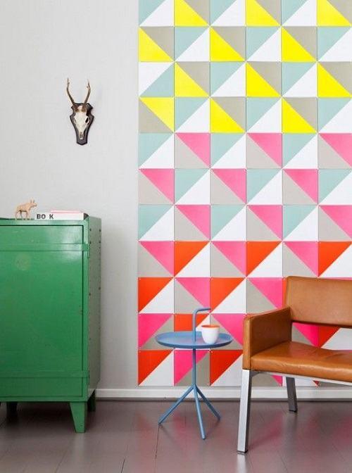 Nếu sử dụng những gam màu nổi bật cho tường thì nên tối giản đồ nội thất bằng những gam màu trung tính