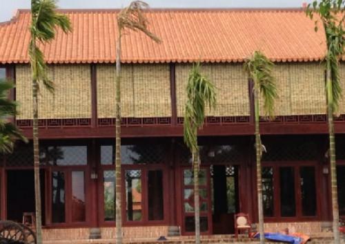 Căn nhà gỗ 2 tầng