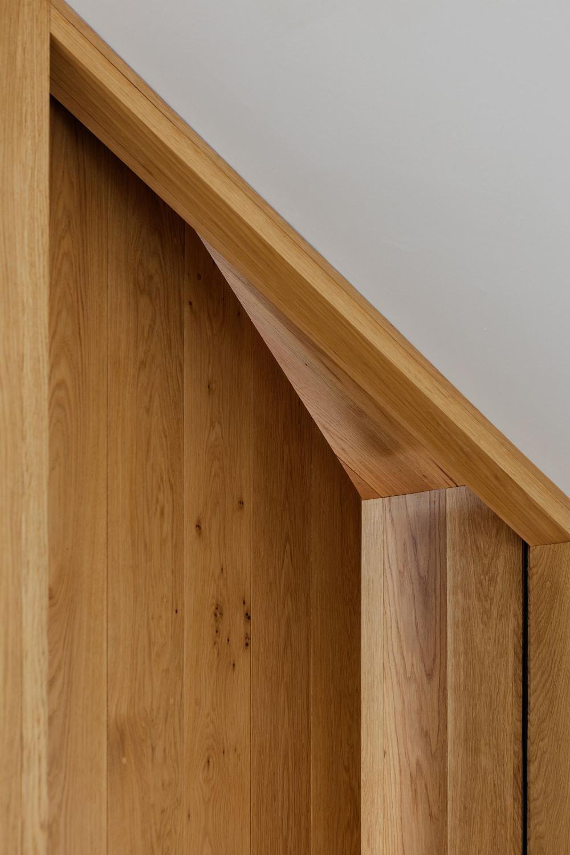 Vân gỗ của nội thất ngôi nhà ống