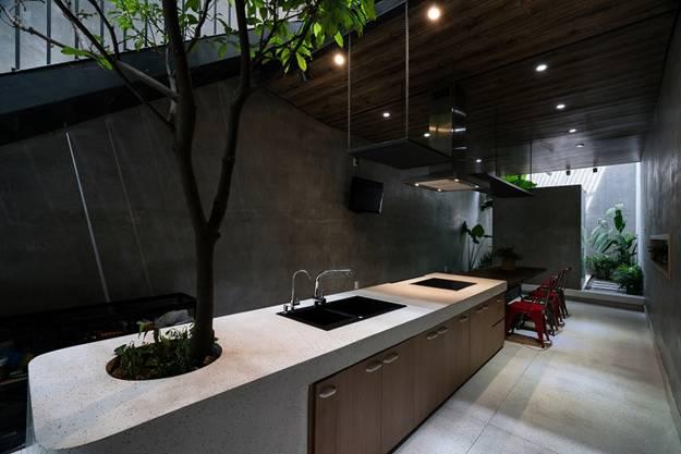 Căn bếp được thiết kế rộng rãi