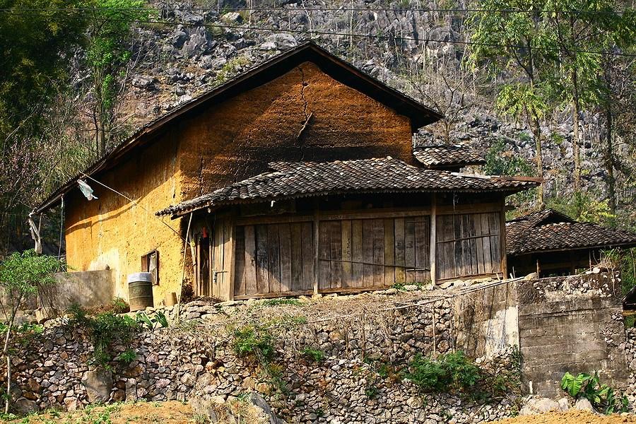kiến trúc nhà người Mông
