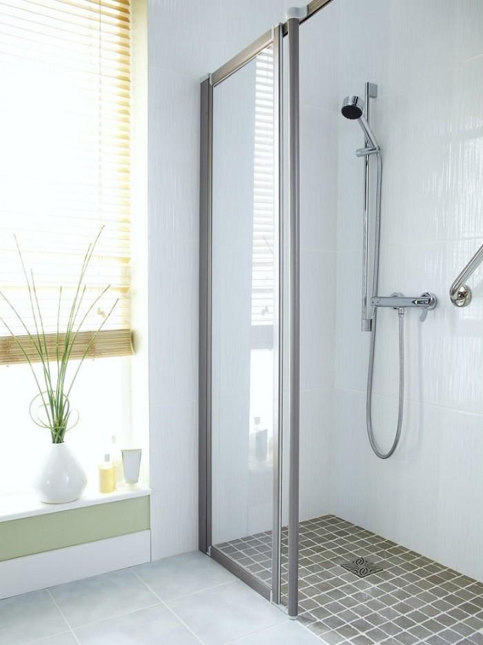 Thiết kế cửa kính cho phòng tắm nhỏ