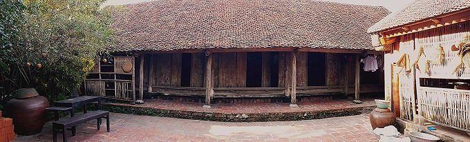 nhà cổ  gần 400 tuổi