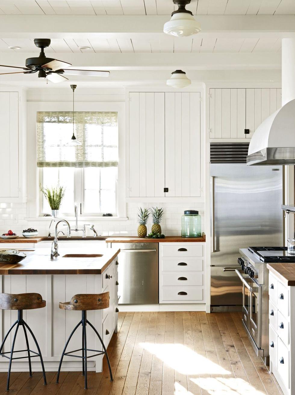 gian bếp sử dụng nội thất gỗ hoàn toàn