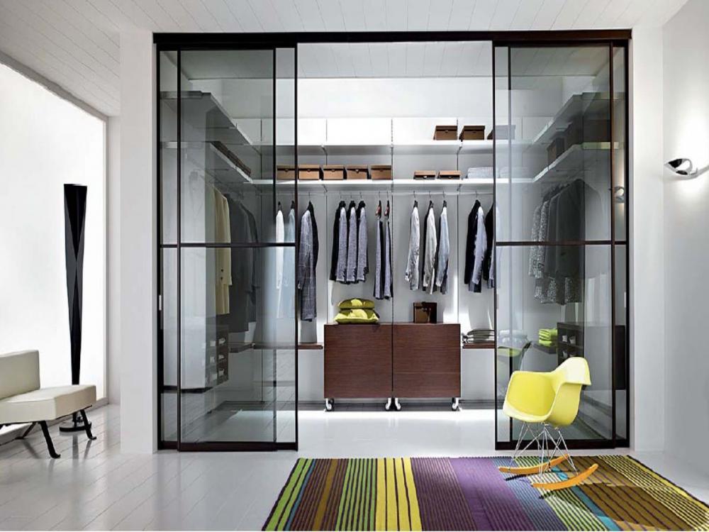 tủ quần áo mở cửa kính