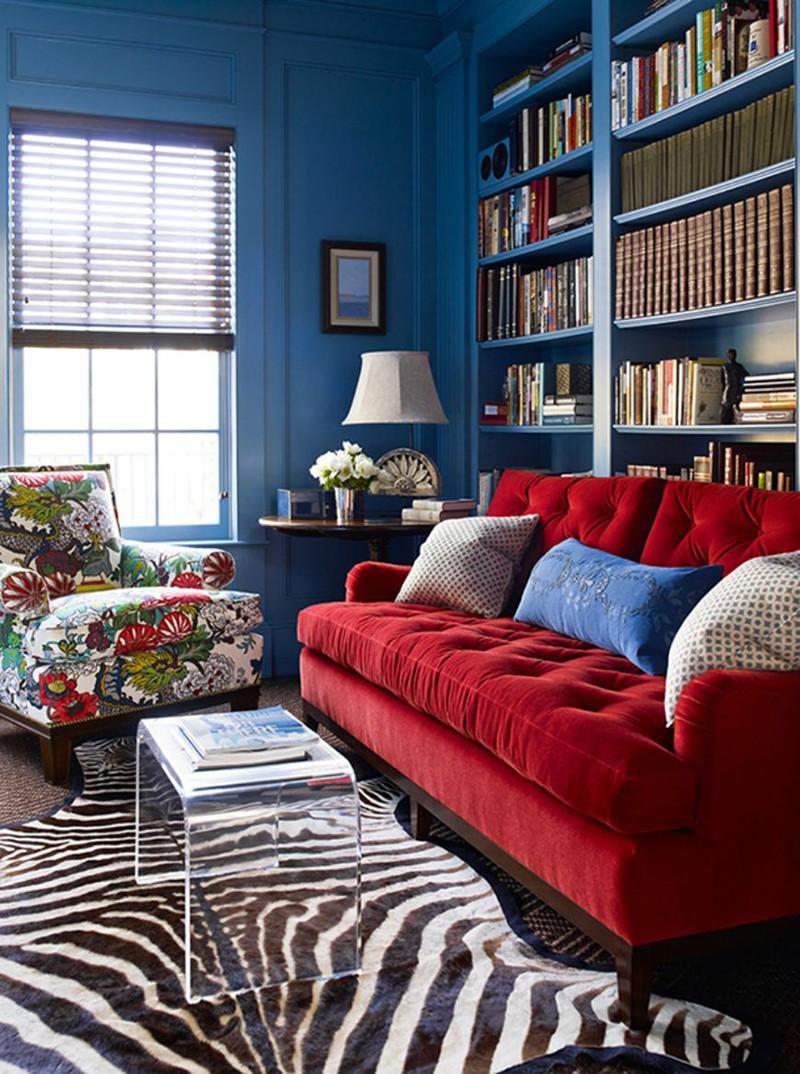 Ghế sofa màu đỏ vô cùng nổi bật