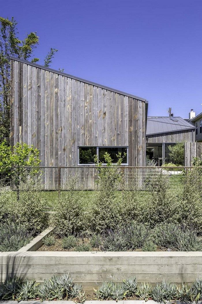 Kiến trúc Á - Âu kết hợp hoàn hảo trong ngôi nhà bên bờ biển