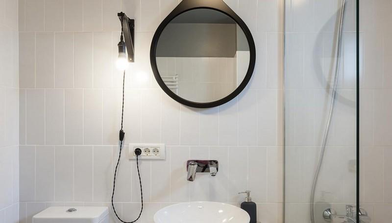 phòng tắm có thiết kế đơn giản