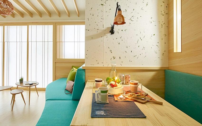 bàn ăn gắn trực tiếp vào tường