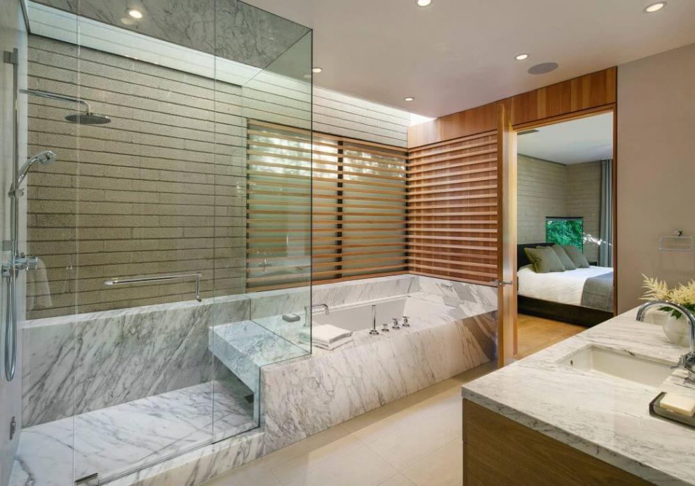 phòng tắm rộng rãi