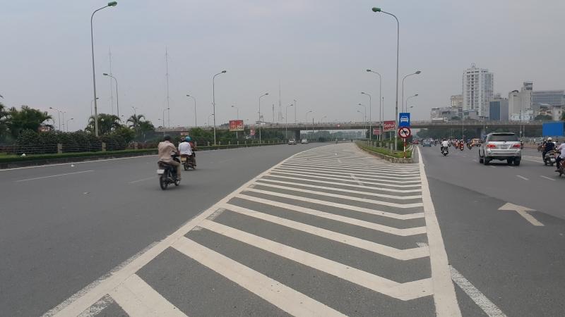 tuyến đường nối với Đại lộ Thăng Long