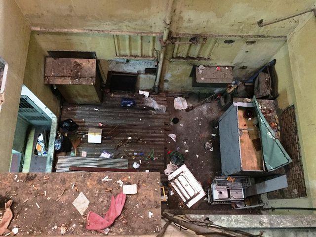 Khu giếng trời của tòa chung cư cũ