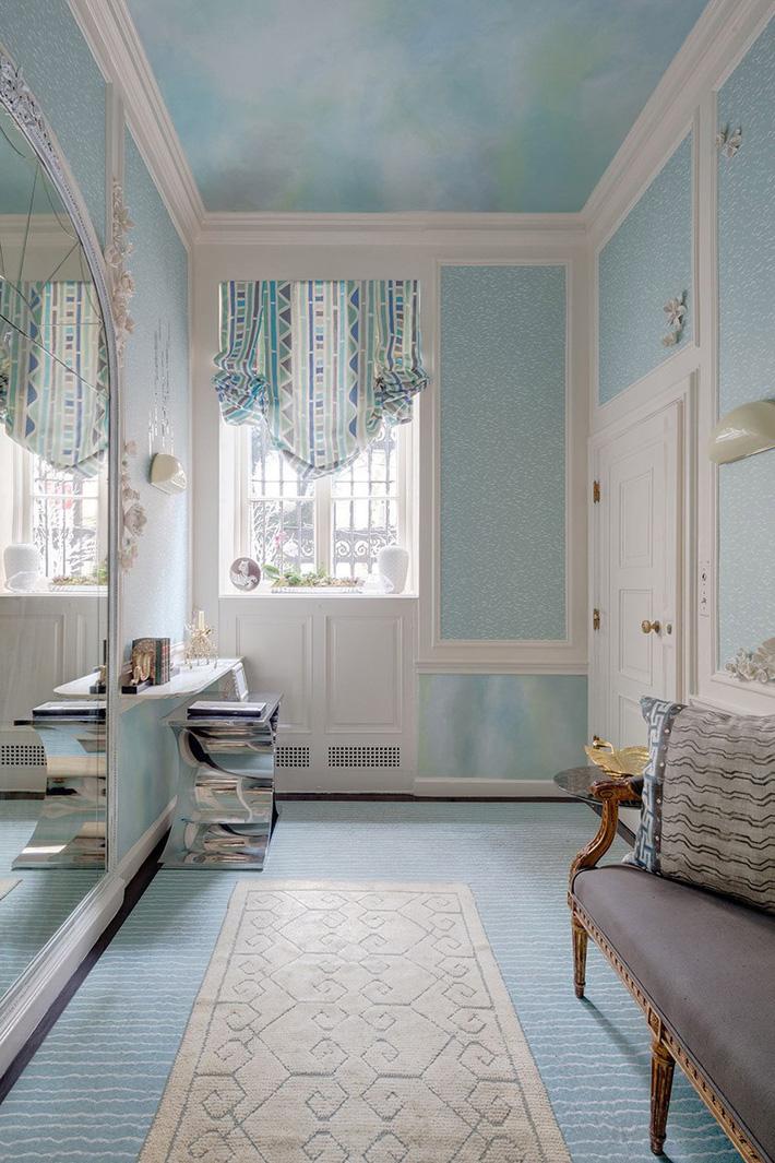 phòng tắm màu xanh da trời nhẹ