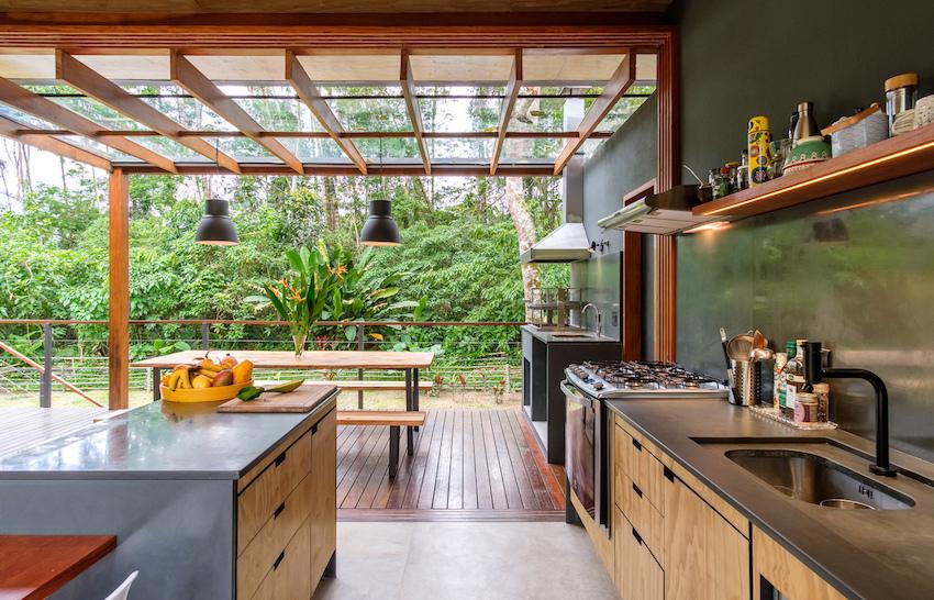 phòng bếp trong nhà gỗ