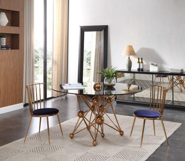 Mẫu thiết kế bàn ăn độc đáo này tựa như một tác phẩm nghệ thuật điêu khắc, giúp gia tăng giá trị thẩm mỹ cho căn phòng.