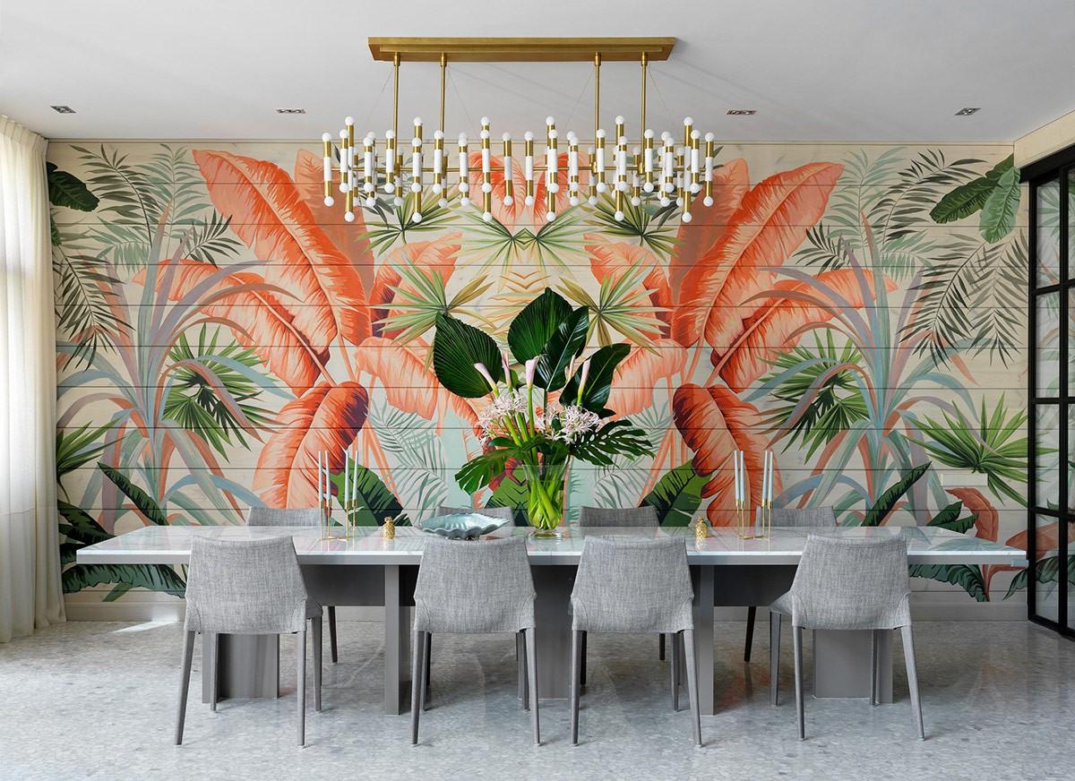 Hình ảnh phòng ăn hiện đại với bàn ăn 8 ghi màu ghi xám, phía trên là bình hoa trang trí hòa lẫn tranh tường