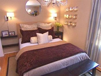 Cách sắp xếp mới lạ cùng một chút tinh tế khi phối màu đã giúp phòng ngủ trở nên ấm cúng và đem lại cảm giác lãng mạn hơn rất nhiều