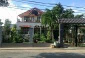 Tôi cần bán căn biệt thự vườn, 250m2, giá 900tr, SHR năm 2014, LH: 0979630645