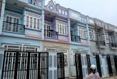 Nhà Bình Chánh mới xây 1 trệt, 1 lầu, 2 phòng khách liền kề khu CN Vĩnh Lộc, làm việc chính chủ