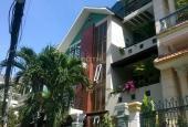 Cho thuê villa biệt thự đường nội bộ 8m D3, Quận Bình Thạnh: 9.8m x 12.2m, 3 lầu, 7PN, 8WC, garage