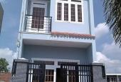 Bán nhà lầu kiểu Thái cách Nguyễn Văn Linh 6km, 135m2 chỉ 600 Tr sổ riêng. Lh 0937688545