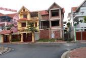 Cho thuê biệt thự Tây Nam Linh Đàm DT 210m2 x 3 tầng, giá 20triệu/tháng