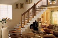 Một số lưu ý khi thiết kế cầu thang gỗ cho nhà nhỏ