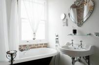 Ý tưởng trang trí phòng tắm với gương