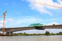 Hợp long cầu nghìn tỷ bắc qua sông Chà tại Tp.HCM