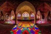 Thiết kế độc đáo của nhà thờ hồi giáo màu hồng tại Iran