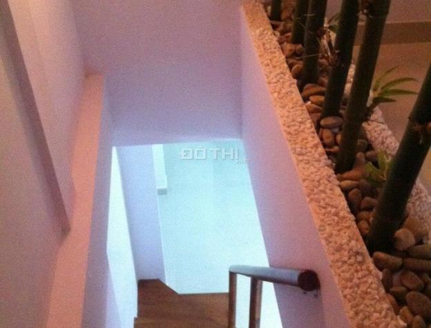 Chính chủ cho thuê nhà đẹp có sân vườn thoáng mát, đường Cao Thắng, Q3, 0934470489 Lộc 7086255