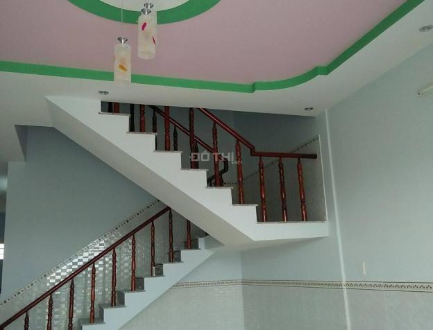 Nhà phố xây mới 100% ngay UBND Hưng Long DT 85m2, 2 PN, 2 WC, SH riêng. LH: 0901 758 159 7214190