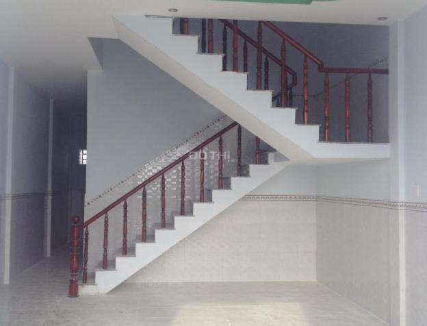 Bán nhà mới xây 1 lầu, 3 PN gần chợ Hưng Long, Bình Chánh, SH riêng, giá 820 tr/căn, LH: 0988239020 7220657