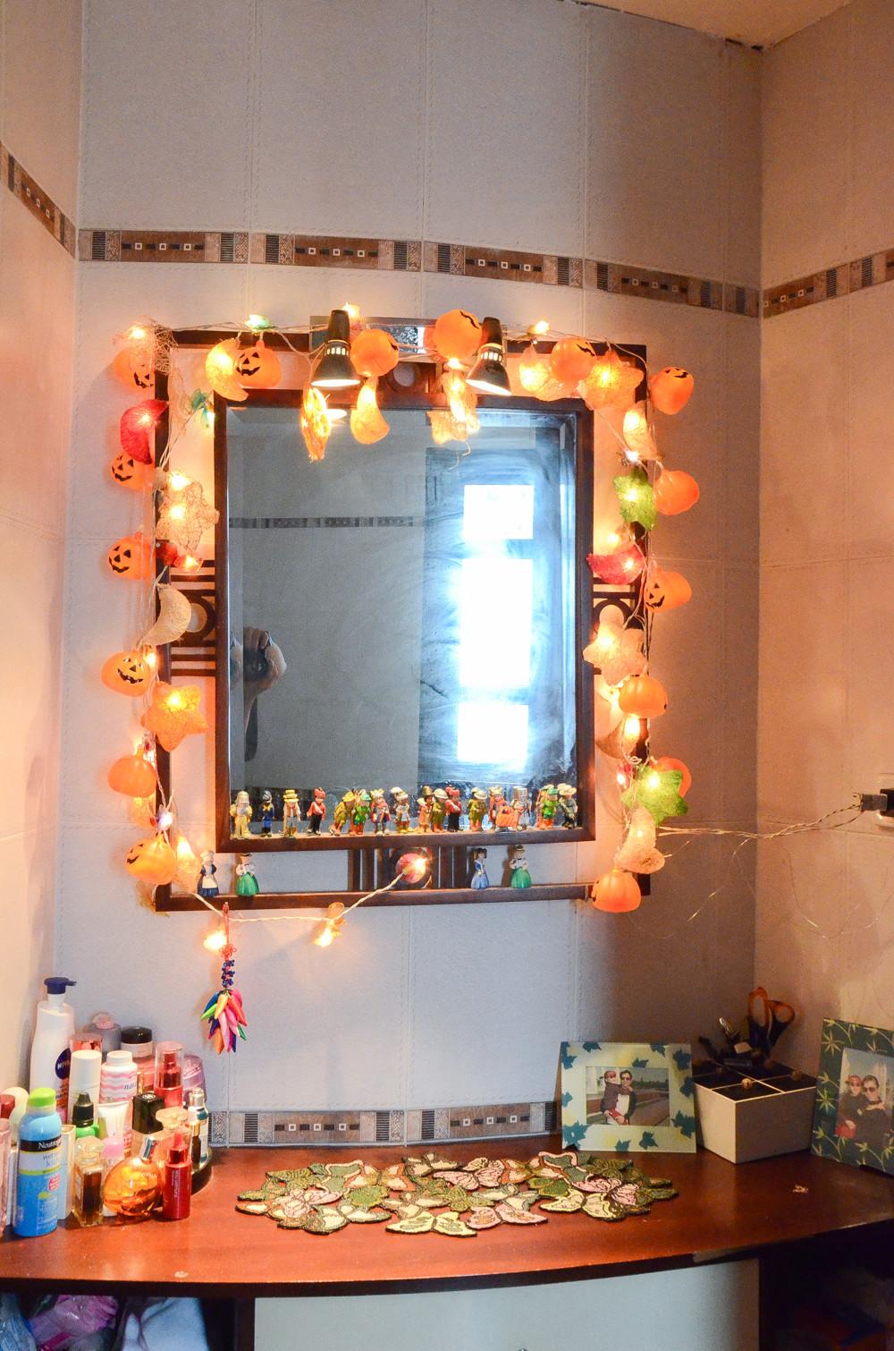 Không gian khắp căn nhà tràn ngập hình ảnh bí ngô và không khí Halloween.2