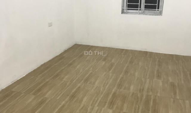 Bán nhà cấp 4, 32m2, sổ đỏ, đội 8 Tả Thanh Oai, giá 690 triệu