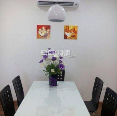 Cho thuê căn hộ chung cư CTM 299 Cầu Giấy, sàn gỗ 2 phòng ngủ, 70m2, 7.5 triệu/tháng, 0965820086
