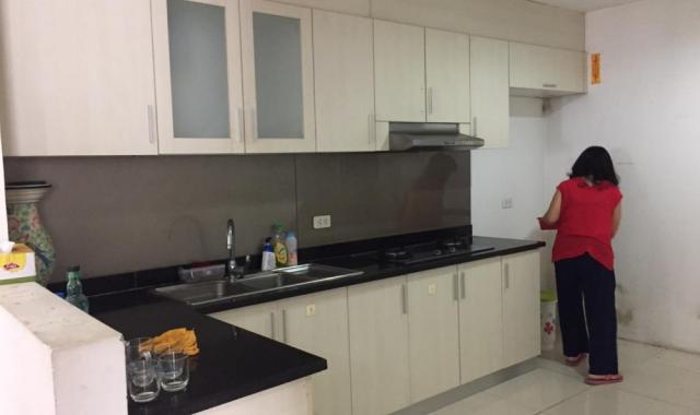 Cho thuê gấp chung cư Riverside Garden số 349 Vũ Tông Phan, 75m2, 2 PN, đồ cơ bản, 8,5 tr/th