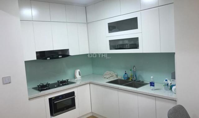 Cho thuê gấp căn hộ tại Ngọc Khánh Plaza, cạnh hồ Ngọc Khánh 2PN, full đồ đẹp, giá 14 triệu/tháng