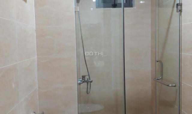 Cho thuê căn hộ 2 phòng ngủ, 80m2, tại 283 Khương Trung, giá 9 tr/th. LH 0983371566