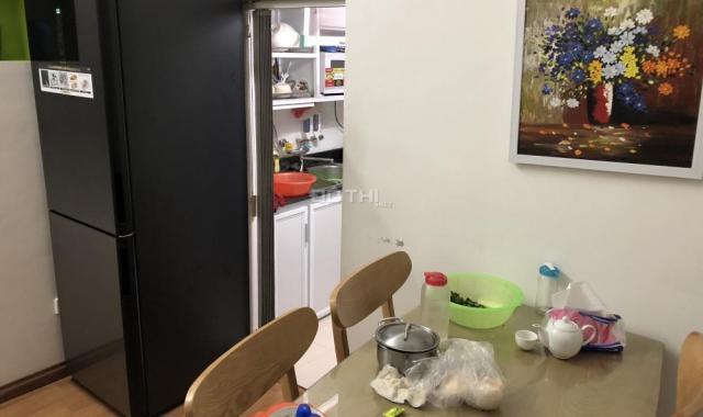 Căn hộ tập thể Nam Thành Công, mặt phố Nguyên Hồng, quận Ba Đình, đẹp như chung cư mới, 60m2, 2PN