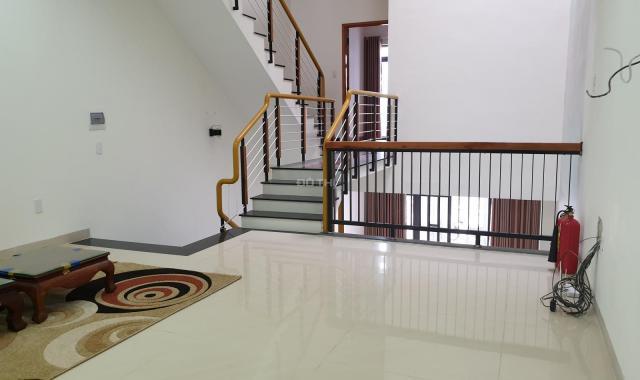 Cho thuê nhà nguyên căn 3 tầng, đường Bà Bang Nhãn, trung tâm quận Ngũ Hành Sơn