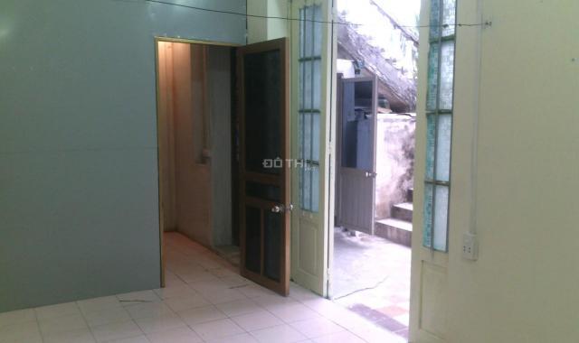 Chính chủ bán nhà phố Khâm Thiên, DT 50m2, mặt tiền 7.1m, giá chỉ 3.3 tỷ. LH 0382703234