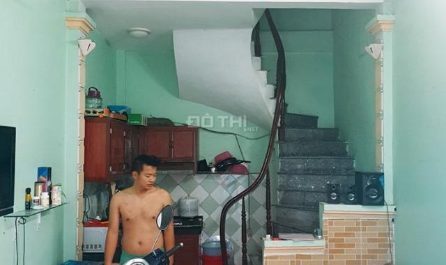 Cực đẹp, bán nhà Nguyễn Chính 30m2, 4 tầng, ngõ rộng 2.3m, 20m ra mặt phố, 2.15 tỷ